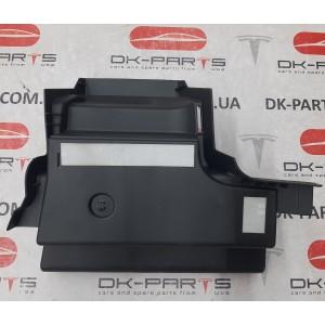 купити 10 Кронштейн обивки пола багажника заднего передний левый 1470967-00-B в Україні
