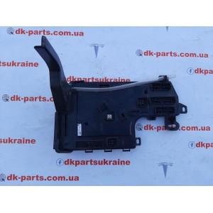 3 Контроллер низкого напряжения, левый 1078673-00-F