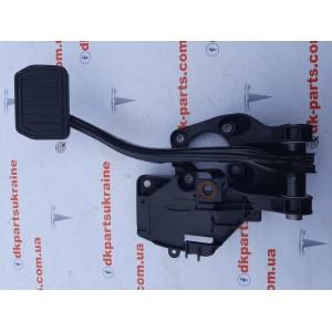 1 Педаль тормоза 1044691-00-D