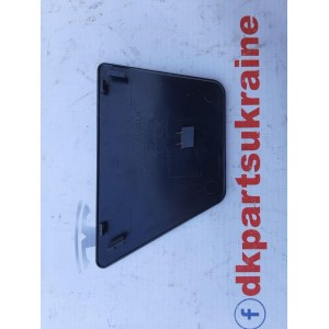 8 Накладка нижняя (нижний пластик) стойки В наружная декоративная, левая 1100087-00-D