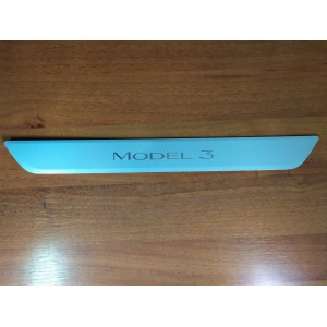 """Накладка порога переднего с логотипом """"MODEL 3"""" 1090844-99-С для Tesla Model 3"""
