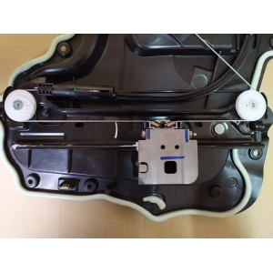 Стеклоподъёмник двери задней правой 1096623-08-F