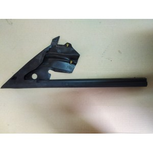 1 Уплотнитель треугольника стекла двери передней правой 1090502-00-G