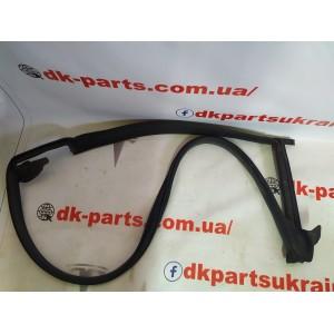 купити 2 Уплотнитель проема двери задней левой 1090511-00-K в Україні