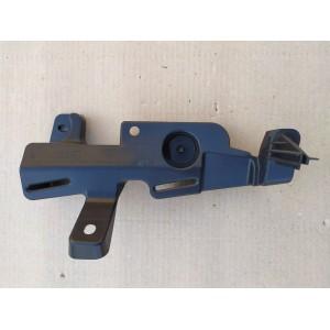 5 Крепление базового напольного покрытия, правое 1101145-00-F