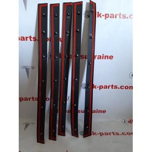 7 Накладка двери передней левой, наружная, нижняя, пластик new 1035201-00-D