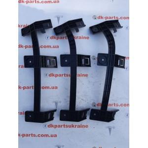 2 Кронштейн крепления фары левой внутренний new 1046957-00-F