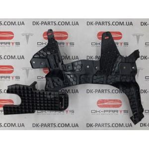 9 Кронштейн обшивки багажного отделения, левый 1080701-00-A