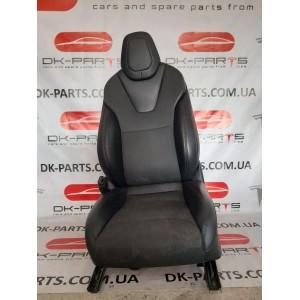купити 1 Сиденье водительское в сборе PUR BLK 9876527-02-A в Україні