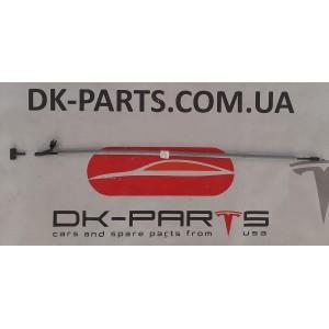 купити 6 Тросик открытия лючка зарядки машины 1067677-00-C в Україні