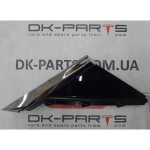 Форточка декоративная крыла переднего правого с хромом 1128708-00-С