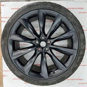купити Диск колёсный задний  22'' ×10J ET 35 с шиной Pirelli Scorpion Zero 285 /35 ZR 22  106 W 1027247-00-E в Україні