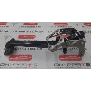 1 Педаль тормоза с кронштейном 1027691-00-B