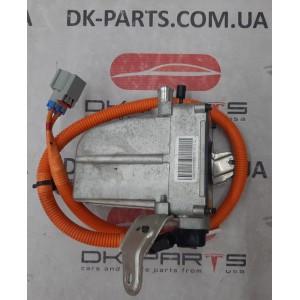 27 Обогреватель основной батареи с кронштейнами 1048941-00-E