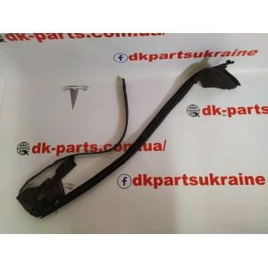 купити Уплотнитель внутренний, двери передней правой 1032178-00-D в Україні