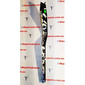 2 Молдинг карты двери передней правой FIGURED ASH BURL 1035812-09-С