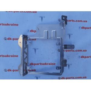 купити 9 Кронштейн бодиконтролера 1013496-00-F в Україні