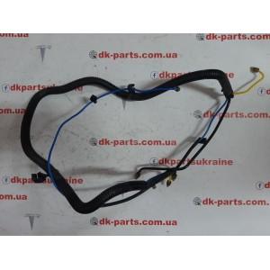 купити 1 Трубопровод соединительный передних пневмостоек 1061811-00-R  в Україні
