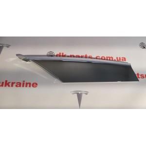Накладка люверса верхняя правая хром, новая 1056380-00-С для Tesla Model S після 2016